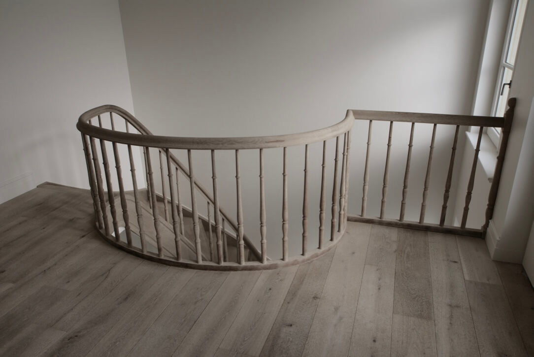 Covering your staircase with wood, perfect integration with your interior